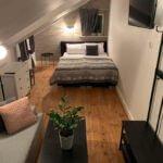 sypialnia w apartamencie w brz?zkach