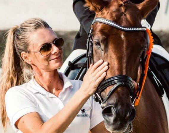 Maja polikowska z koniem